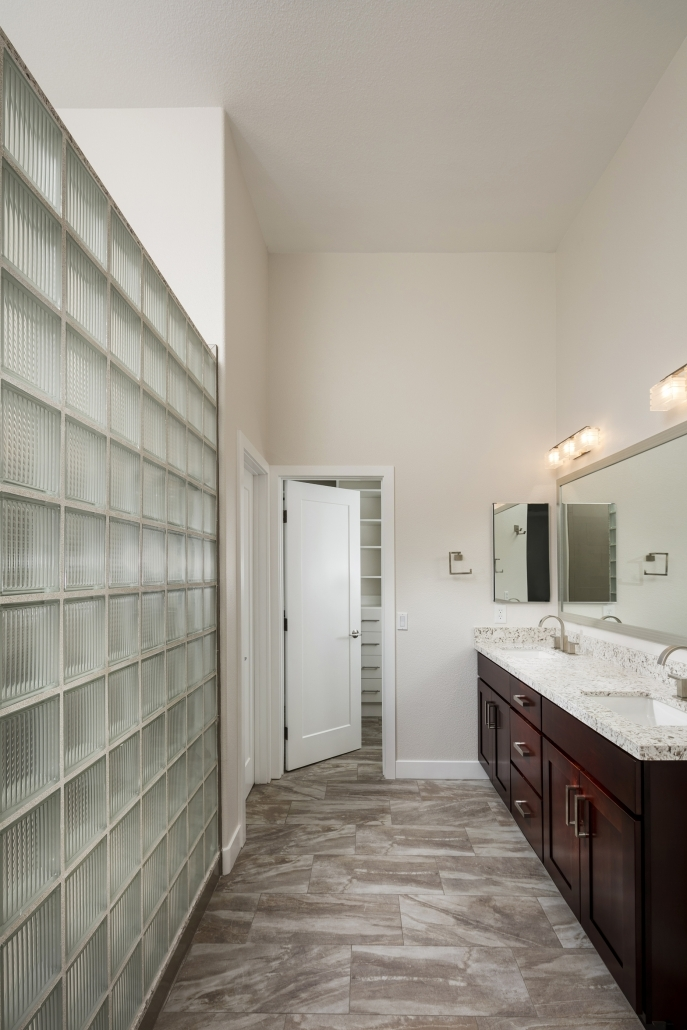 Shower-Vanity